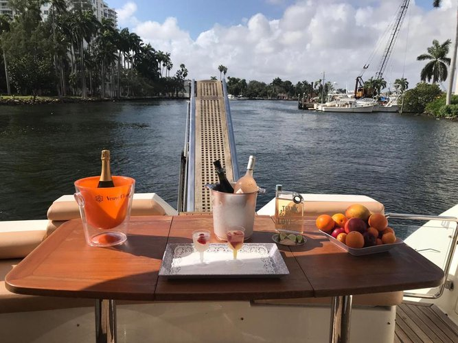 Discover Miami surroundings on this 58 Aicon Aicon boat