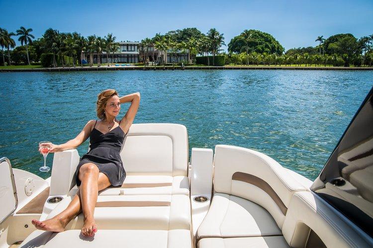 Bow rider boat rental in Sea isle marina, FL