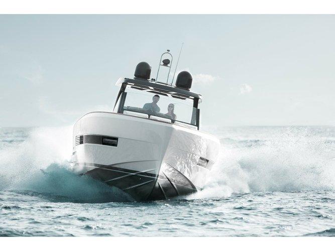 Enjoy luxury and comfort on this Fjord Boats A.S Fjord 44 Open in Vilanova i la Geltru