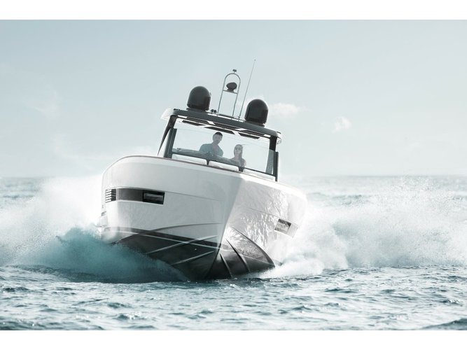 Jump aboard this beautiful Fjord Boats A.S Fjord 44 Open
