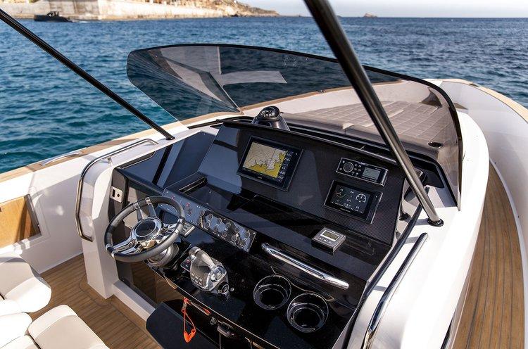Motor yacht boat rental in Antiparos, Greece