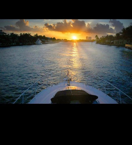 Sea Ray boat for rent in Miami