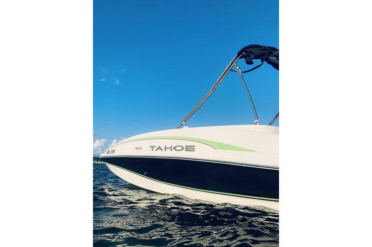 Motor boat boat for rent in Miami