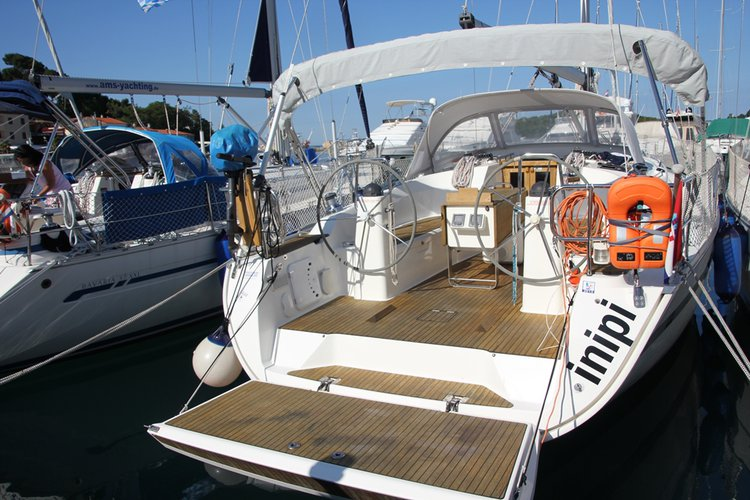 Discover Istra surroundings on this Bavaria Cruiser 40 Bavaria Yachtbau boat