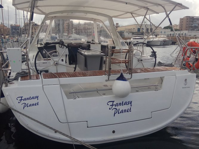 Get on the water and enjoy  in style on our Beneteau Oceanis 45