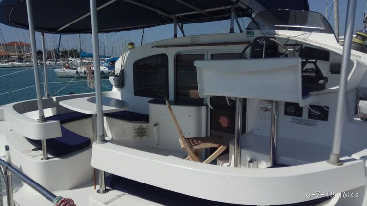 Fountaine Pajot's 39.0 feet in