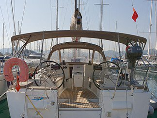 All you need to do is relax and have fun aboard the Jeanneau Sun Odyssey 409