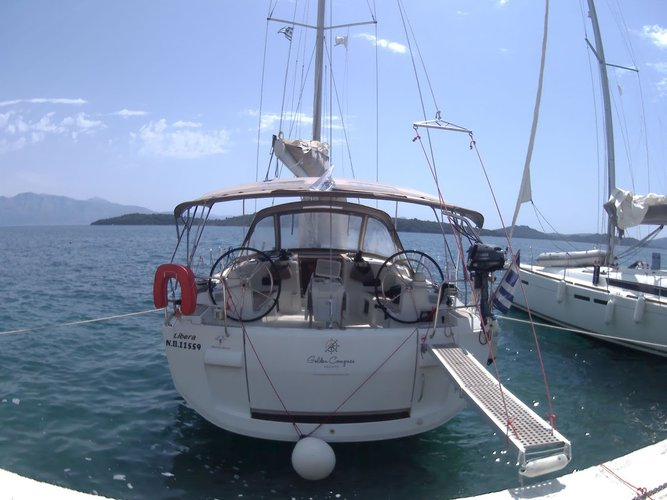 Discover  surroundings on this Sun Odyssey 519 Jeanneau boat