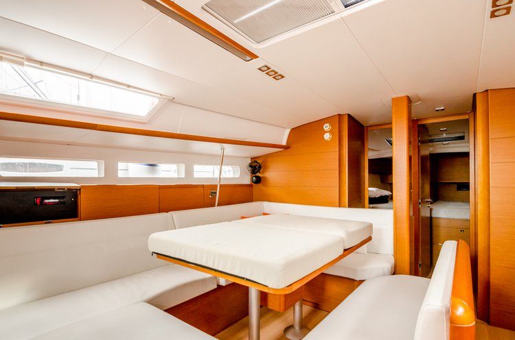 Jeanneau boat for rent in