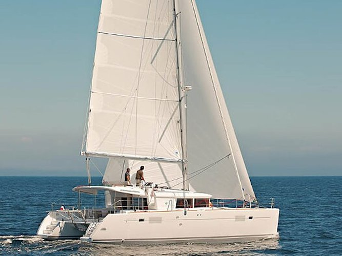 Enjoy luxury and comfort on this San Salvo Marina sailboat charter