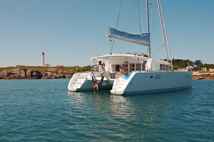 Catamaran boat rental in Cyclades, Greece