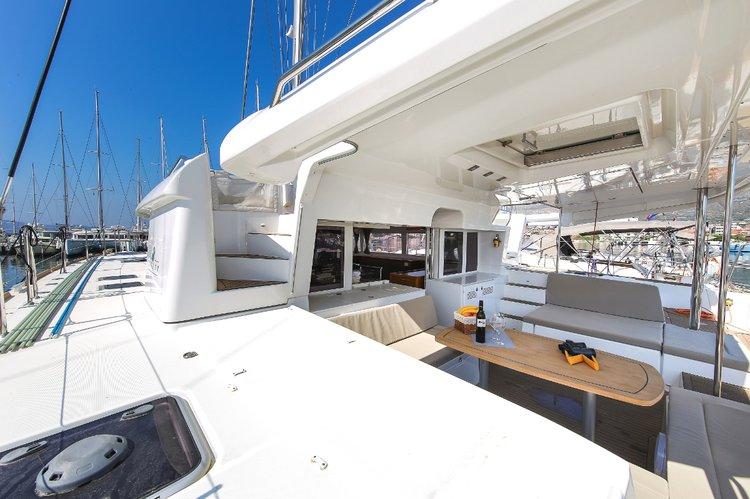 Discover Zadar region surroundings on this Lagoon 450 F Lagoon-Bénéteau boat