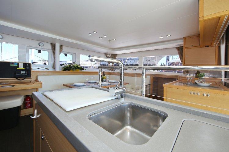 Lagoon-Beneteau boat for rent in Zadar region