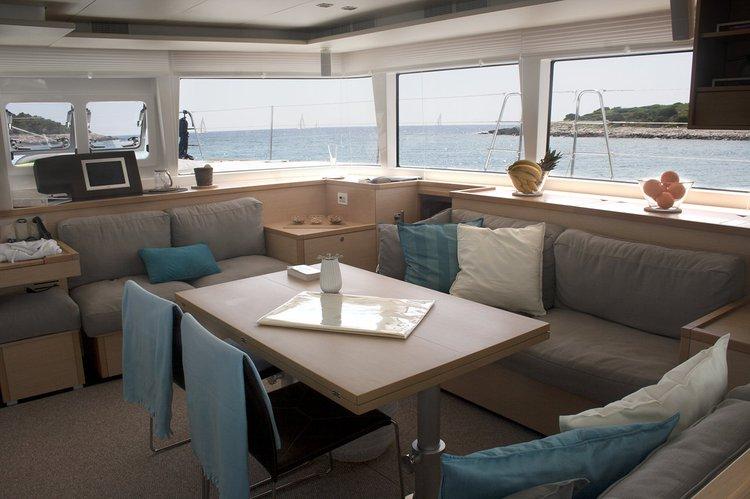 Discover Split region surroundings on this Lagoon 560 S2 Lagoon-Bénéteau boat