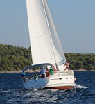 Jump aboard this beautiful Bavaria Yachtbau Bavaria Cruiser 40