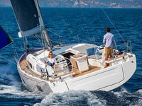 Enjoy luxury and comfort on this Beneteau Oceanis 46.1 (3 cbs) in Athens