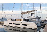 Enjoy luxury and comfort on this Porto Rotondo sailboat charter