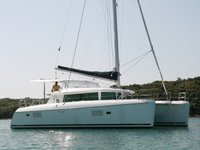 Jump aboard this beautiful Lagoon Lagoon 420