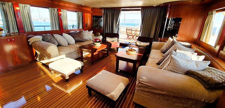 Johnson 87 Luxury yacht saloon