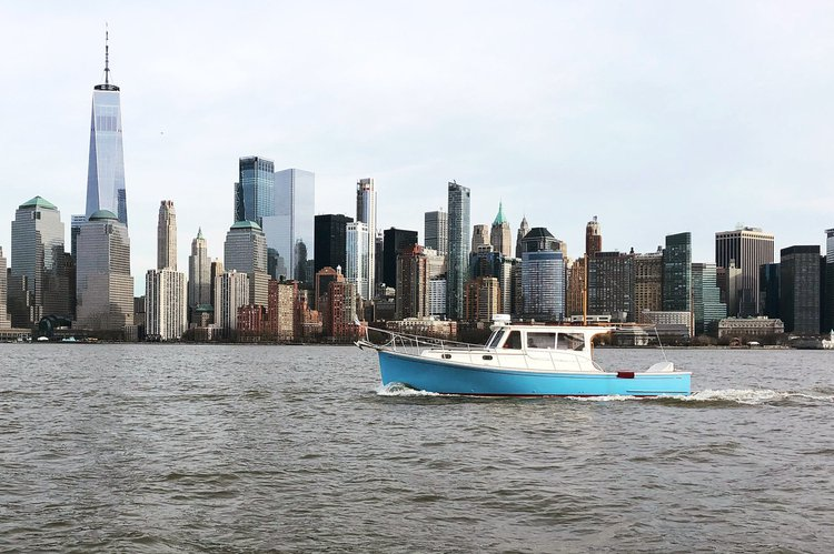 Boating is fun with a Cruiser in New York