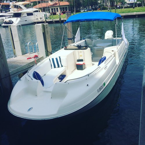 Bayliner's 27.0 feet in Miami
