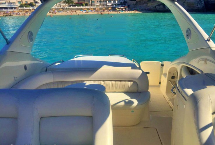 Motor yacht boat for rent in Faro