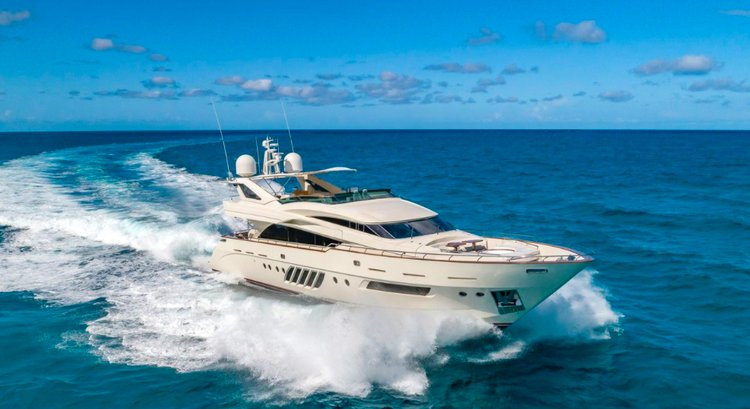 95' Dominator - Rent a Luxury Yachting Experience!