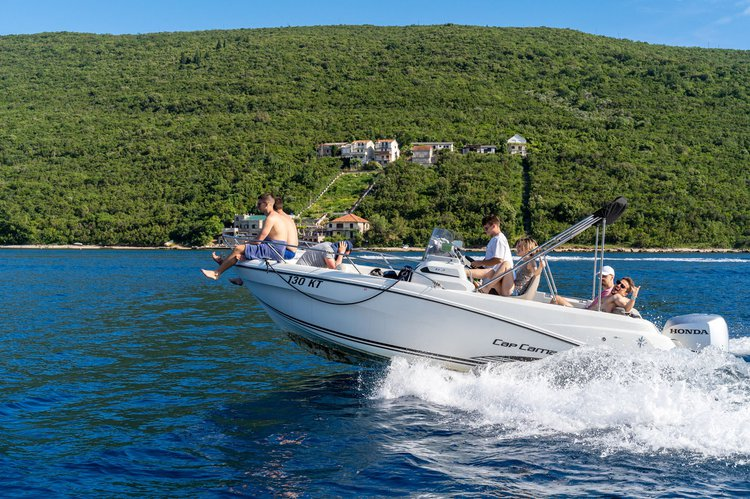 Sail the fascinating Montenegrin coast on a superb speed boat for rent