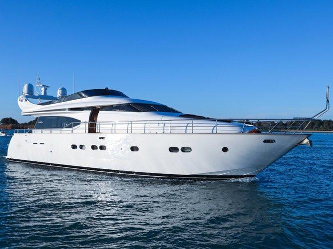 Cruise Novigrad, HR waters on a beautiful Maiora Yachts Maiora 20S