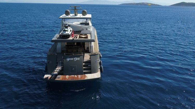 Luxury Motoryacht San Lorenzo Sl 82