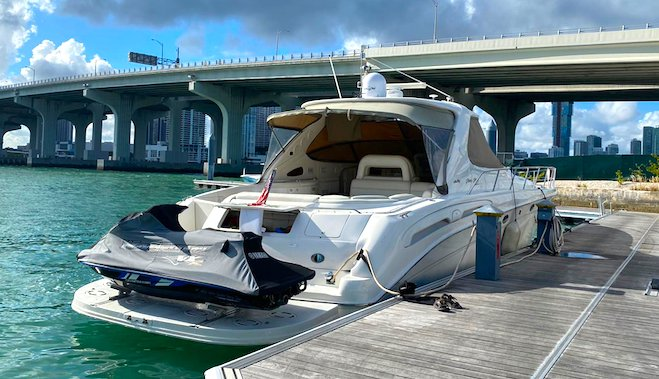 Cruiser boat rental in Island Gardens Deep Harbour, FL