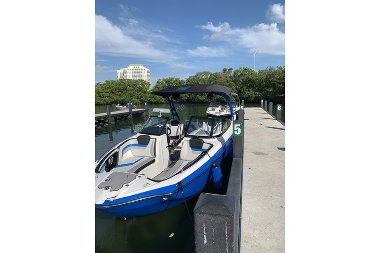 Boat rental in Boynton Beach, FL