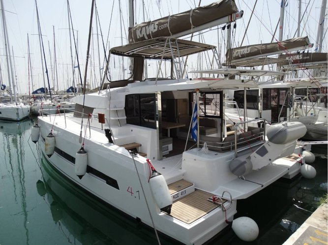 Enjoy luxury and comfort on this Bali Catamarans Bali 4.1 in Lefkada