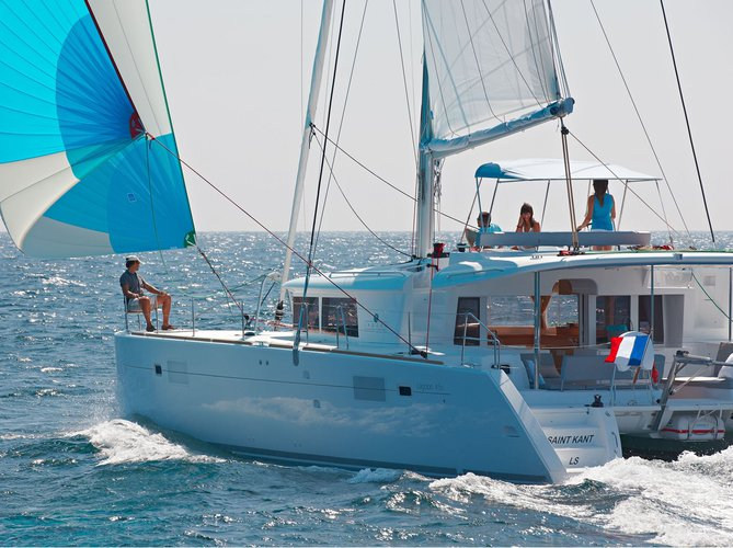 Charter this amazing sailboat in Preveza