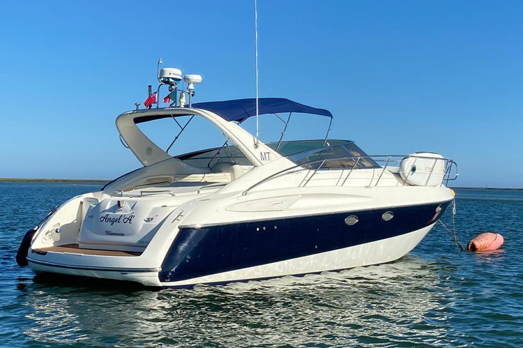 Discover Faro surroundings on this 39 Endurance Cranchi boat
