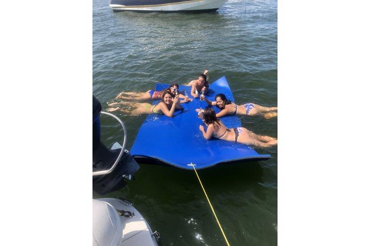 Cruiser boat rental in 400 Sunny Isle, Sunny isles Florida, FL