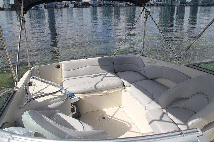 SEA RAY's 26.0 feet in Miami