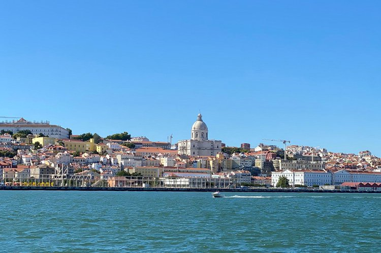 Sea Ray boat for rent in Cascais