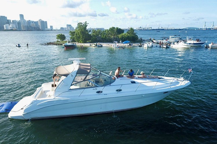 Sea Ray's 42.0 feet in Miami