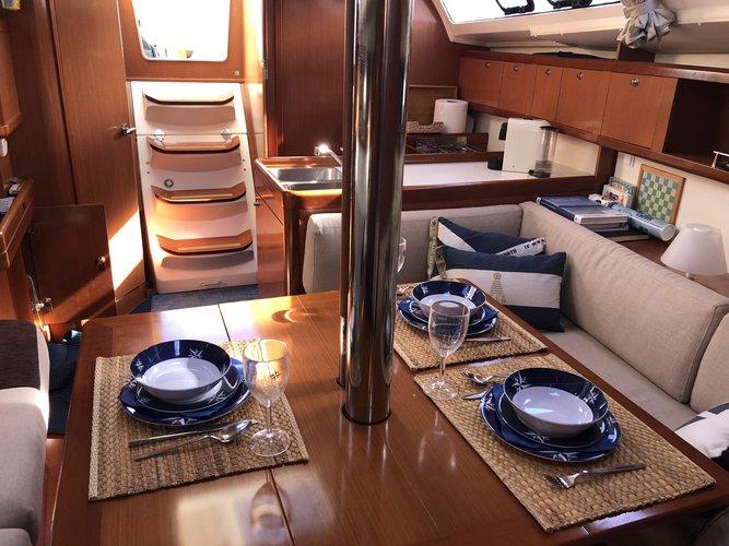 Boat for rent Beneteau 37.0 feet in Marina Parque das Nações, Portugal