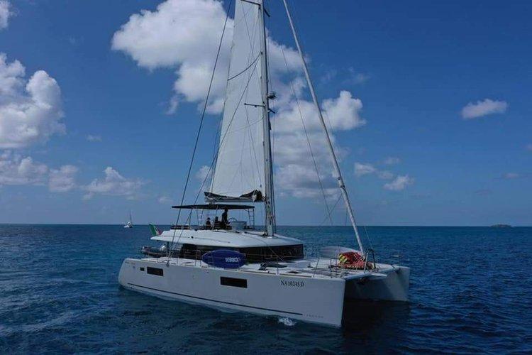 Enjoy luxury and comfort on this Lagoon Lagoon 560 S2 in