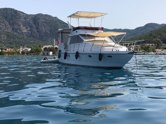 Motor yacht boat for rent in Göcek