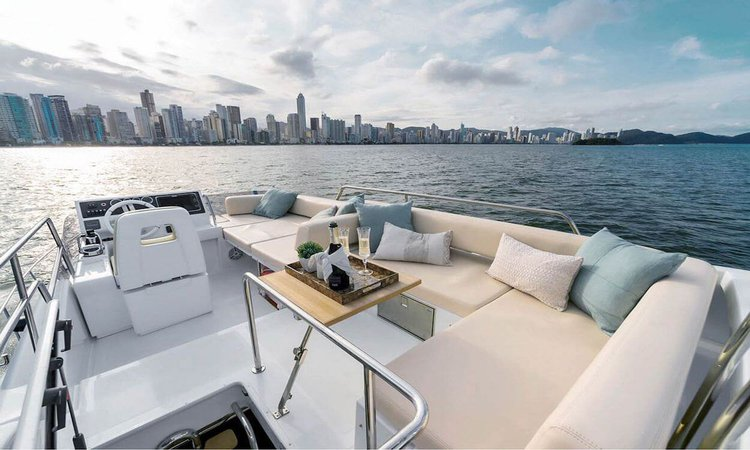 Boating is fun with a Azimut in Key Biscayne