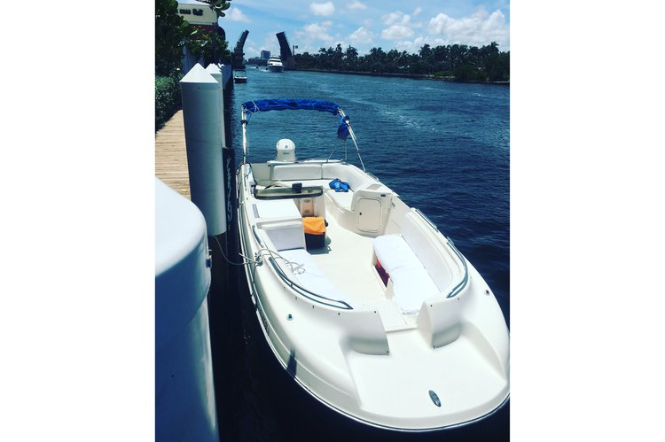 Deck boat boat for rent in Miami