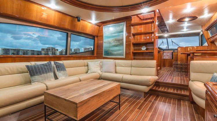 Discover Miami Beach surroundings on this 73 Ferretti boat