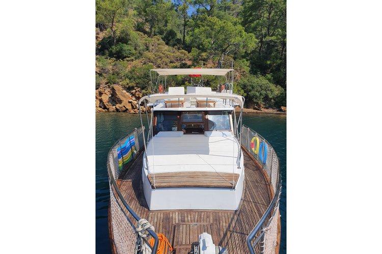 Motor yacht boat for rent in Göcek