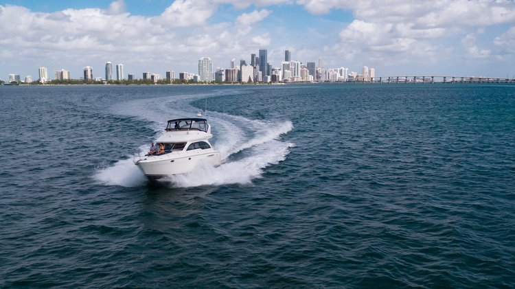 Cruiser boat rental in Epic Marina, FL