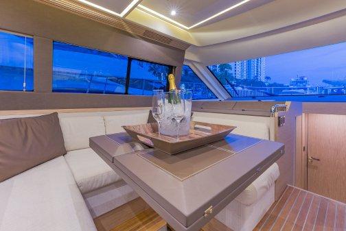 This 50.0' Monte Carlo cand take up to 13 passengers around Miami Beach