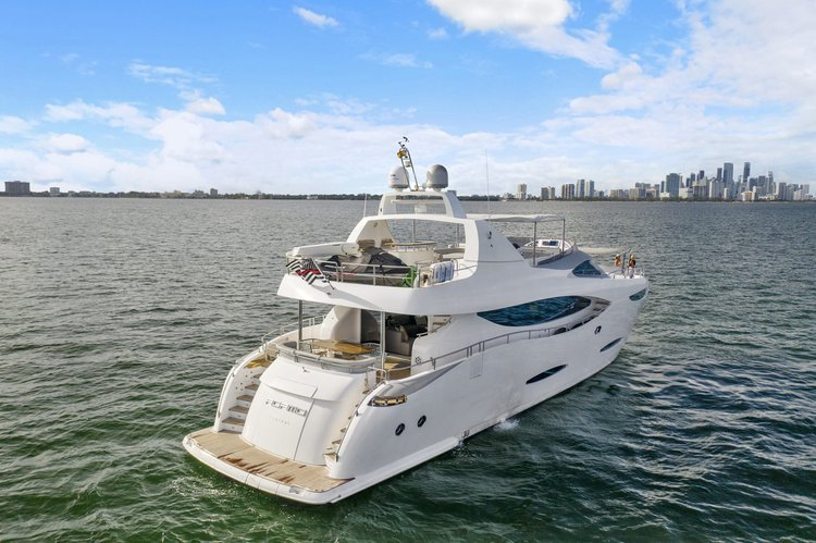 This 85.5' Peer Gynt cand take up to 8 passengers around Miami Beach