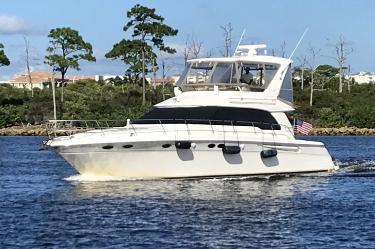 Sea Ray boat for rent in Riviera